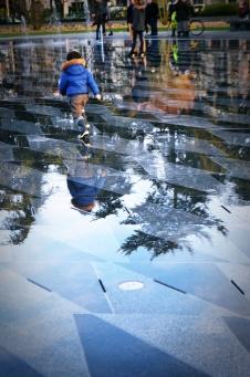 Le miroir d'eau: reflet d'une ville toujours plus verte