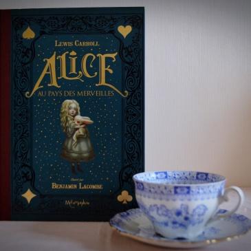 Alice au pays des merveilles illustré par Benjamin Lacombe