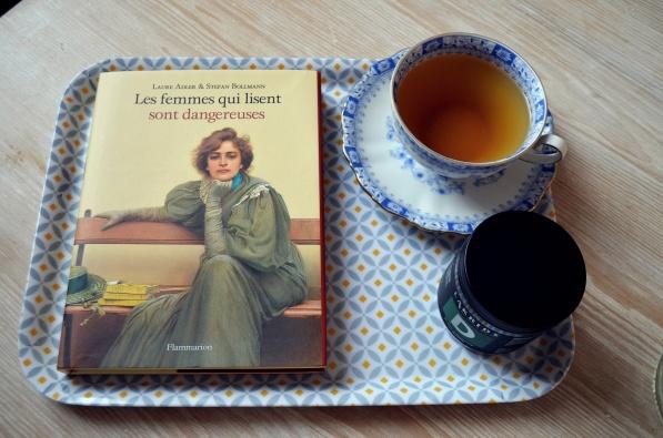 Les femmes qui lisent sont dangereuses de Laure Adler et Stefan Bollman, éditions Fammarion