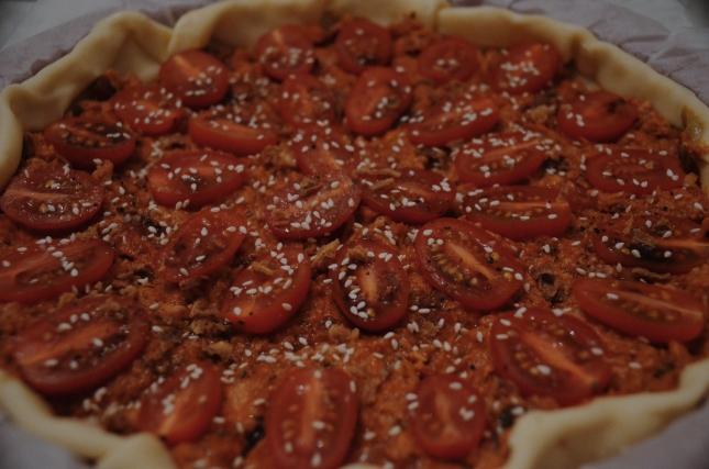 Tarte salée au thon et deux tomates avec Kerbio